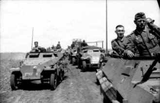 Motorized troops of the Panzergrenadier Division Grossdeutschland.