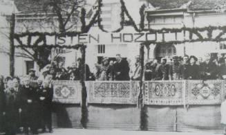 Hungarian troops enter Backa Palanka, April 15, 1941.