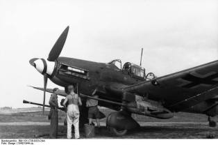 Junkers Ju 87 Stuka Dive Bomber with 37mm cannons.