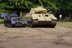 Comparison of a Panzer I and Panzer V - Panther