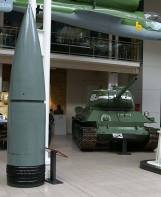 Landkreuzer P. 1500 Monster shell at the in Zimmerit, Imperial War Museum, London. An 800 mm shell that would have been used, next to a T-34/85.