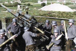 88 Flak Gun with crew.