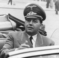 Buhler, 1942.