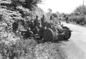 PaK 36 in action 1940. It was ineffective against French heavy tanks.