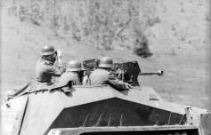 Großdeutschland Sd.Kfz. 250 on the Eastern Front.