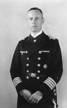 Günther Lütjens as Kapitän zur See.