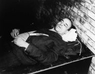 Hans Frank's corpse after his hanging.