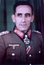 General Agustin Muñoz Grandez, first head of the Blue Division decorated with the Knights Cross with oak leaves.