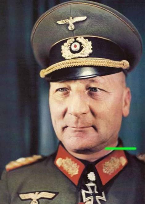 Anton Grasser as Generalleutnant.