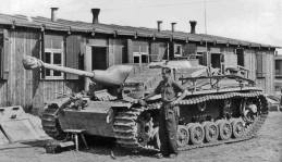 StuG III waiting on the Russian Front, 1944.