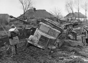 1st SS Panzer Division Tigers and with a stuck MAN ML4500 in Vinnitsa, Ukraine, in November 1943.