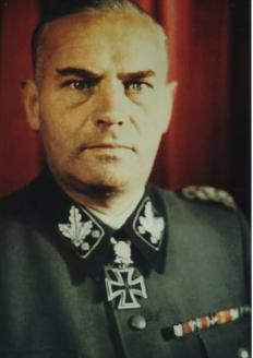 Felix Steiner as SS-Gruppenführer.