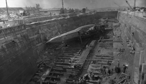 U-471 type VIIC, 1945 in Toulon after a hit by bombs.