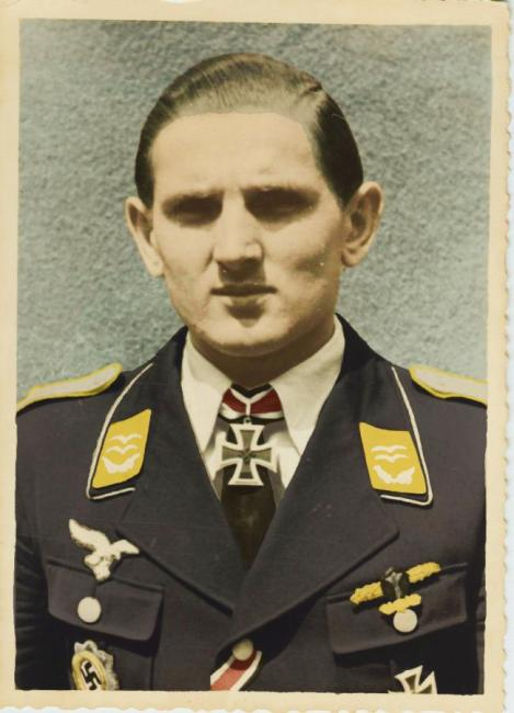 Colorizing image of Erich Weißflog.