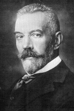 Chancellor Bethmann-Hollweg, argued for a guaranteed proportion of military expenditure for the army.