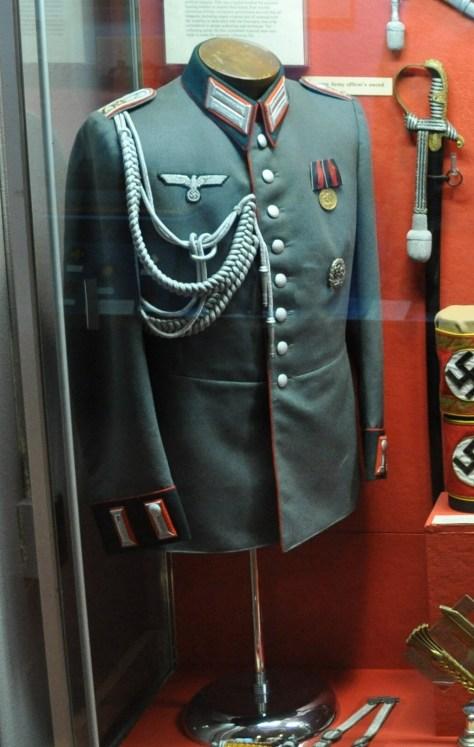 Wehrmacht_Heer_Waffenrock_3