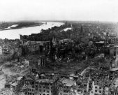A panoramic view of the city of Cologne,1945.
