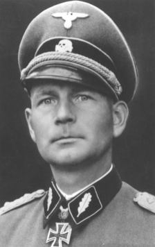 Otto Kumm, last commander of the Leibstandarte and a founding member of the Hiag.