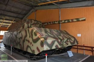 The Maus prototype at the Kubinka Tank Museum, Russia (2009).