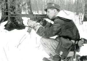 A Gebirgsjäger with his StG 44.
