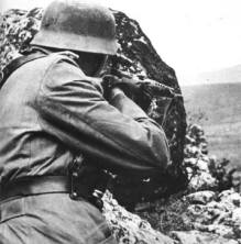 A German sniper with a captured Tokarev SWT-40.