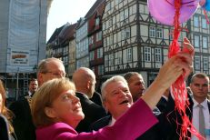 Chancellor Angela Merkel and President Joachim Gauck at the Bürgerfest (German Unity Day festivities) in Hannover in 2014.