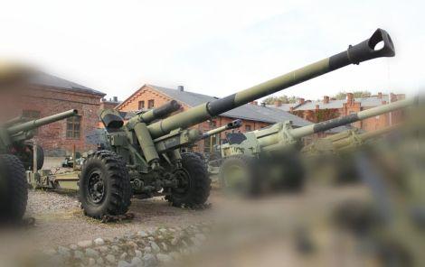 152 H 88-40. Finnish modernized version of 15 cm sFH 18.