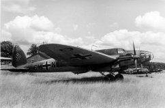 A He 111E in Luftwaffe service, 1940. The early variants had a conventional, stepped cockpit.