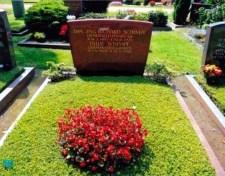 Richard Schimpf's grave.