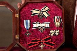 Prussian, Bavarian and Württemberg orders and decorations for combatants, including the war coin for the campaigns 1870-71 ; Women's medal at women's loops.