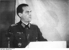 Colonel Hans-Günter van Hooven on the BDO foundation.