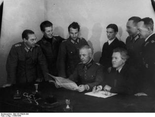 Members of the NKFD in 1943, from the left: Colonel van Hooven, Lieutenant Heinrich Graf von Einsiedel, Major Karl Hetz, General Walther von Seydlitz-Kurzbach, Private Zippel, Erich Weinert, Colonel Steidle, General Lattmann.
