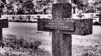 Alpers's grave.