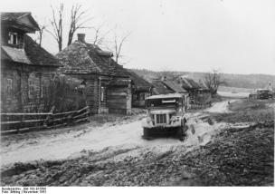 Village street near Moscow, November 1941.
