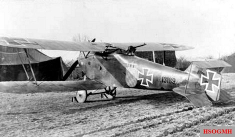"""Attack aircraft """"Hannover CL.IIIa"""" of the Aviation Department (A) 287 b, 1918; The FA (A) 287 b was set up on 28.11.1916 from the artillery aviation department 102 b and existed until the end of the war. Leader of the department was Lieutenant Theodor Triendl, the unit was Bavarian (b). Among the most famous pilots of the department was Heinrich Müller , later SS-Gruppenführer and lieutenant general of the police."""
