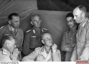 Gause (right) with Italian General Enea Navarini (left), and Rommel center.
