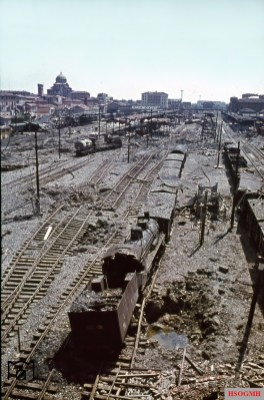 The elevated position clarifies the extent of the destruction in the main station of the Tuscan capital Florence (Italy). The picture was taken in July 1944 by Walter Hollnagel.