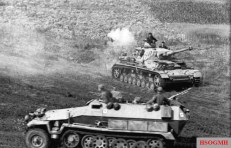 German Panzer IV and Sdkfz 251 halftrack on the Eastern Front, July 1943.
