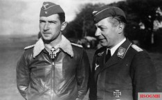 Werner Mölders with Rudolf Laumann in September 1940.