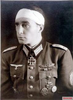Max Heimo Rehbein (9 December 1918 - 13 November 2015) received Ritterkreuz des Eisernen Kreuzes in 5 March 1945 as Hauptmann der Reserve and Kommandeur Pionier-Bataillon 23 / 23.Infanterie-Division.