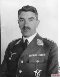 Löhr in 1939.