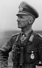 Hasso von Manteuffel commanded the division in 1943.