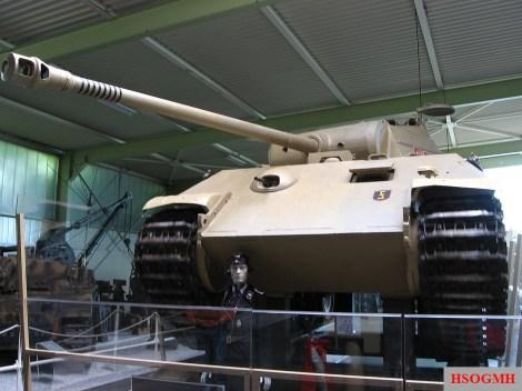 The 7.5 cm KwK 42 L/70 equipped on a Panzerkampfwagen V Panther Ausf. A medium panzer.
