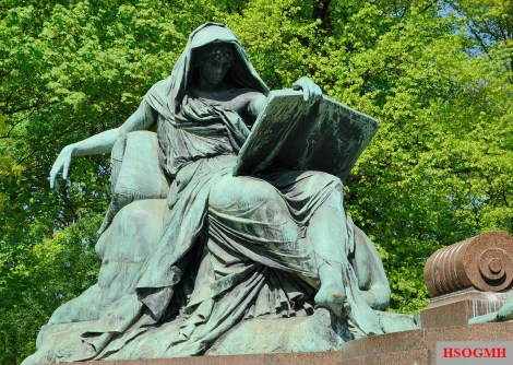 Sibyl reading the Book of History.