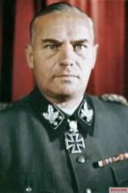 Sword bearer Felix Steiner.