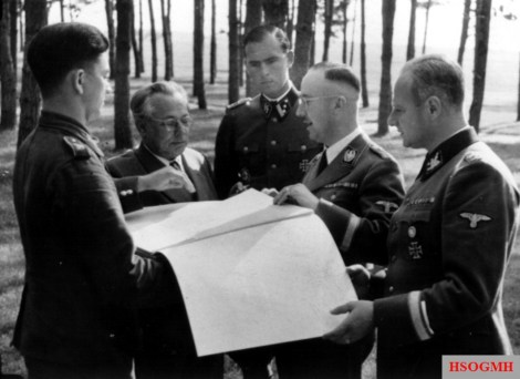 Heinrich Hoffmann, Richard Schulze, Heinrich Himmler, and Karl Wolff 1941at the Wolfsschanze.