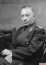 Heusinger in Bundeswehr uniform, c. 1960.