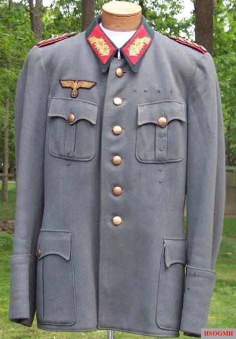 Generalmajor Hans Bessel.