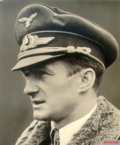 Egon Mayer.