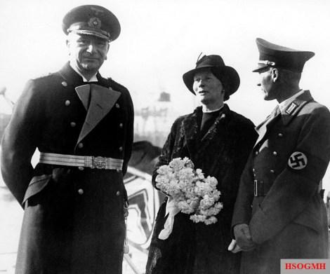 Vice Admiral ret. D. Wilfried von Loewenfeld (left), Dorothee von Loewenfeld (Otto von Bismarck's granddaughter), and the First Mayor of Hamburg Carl Vincent Krogmann on 14 February 1939, on the launch of the Bismarck.